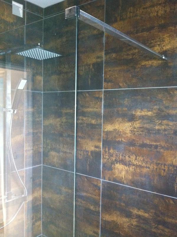 Carrelage rectifi et calibr pompei 60x60x pos s dans une for Poser du carrelage mural dans une douche