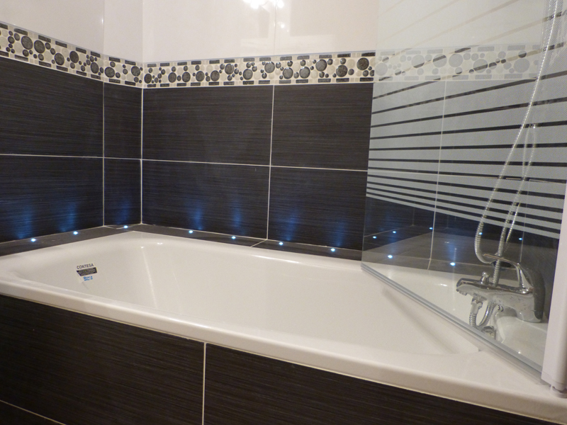 Stunning carrelage salle de bain mosaique pas cher images for Carrelage grande taille
