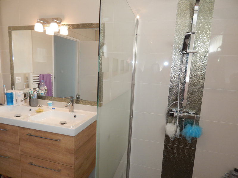 Carrelage chocolat salle de bain formidable carrelage for Salle de bain blanc et chocolat