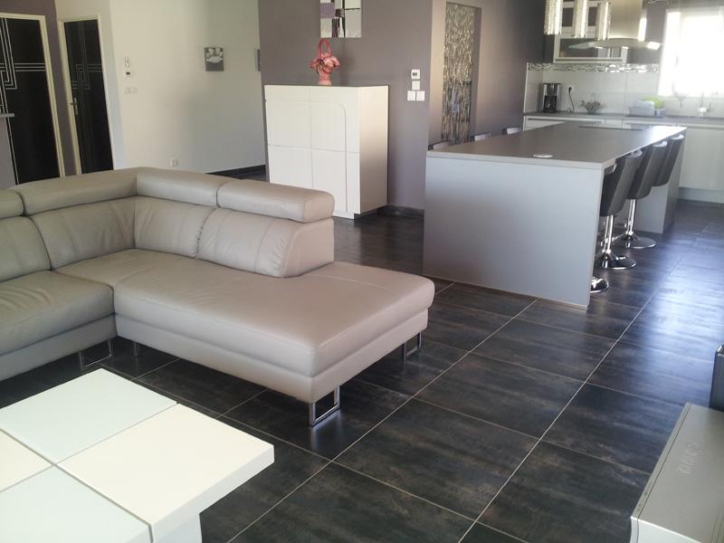 carrelage moins cher du carrelage de grande taille pas cher. Black Bedroom Furniture Sets. Home Design Ideas