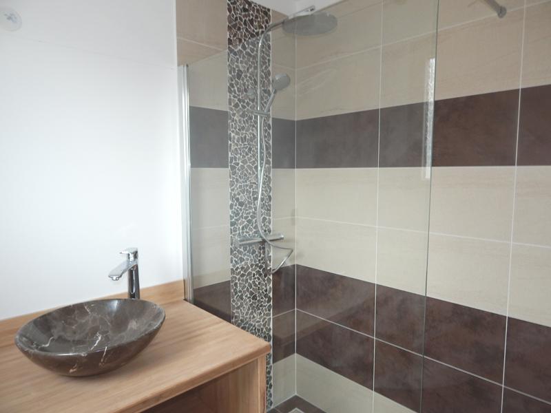 carrelage salle de bain chocolat carrelage x with carrelage salle de bain chocolat charming. Black Bedroom Furniture Sets. Home Design Ideas