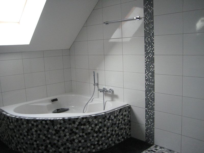 Carrelage gr s c rame porcelain mod le mea taille 600 x 600 - Carrelage damier noir et blanc salle de bain ...